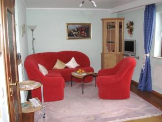 pension mit ferienwohnung und g stehaus weiherblick am ulmener weiher in ulmen eifel. Black Bedroom Furniture Sets. Home Design Ideas